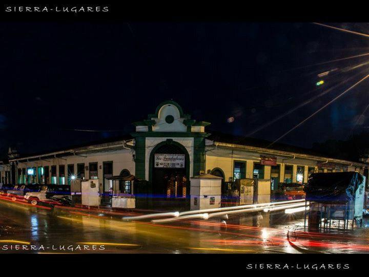 Plaza de mercado noche