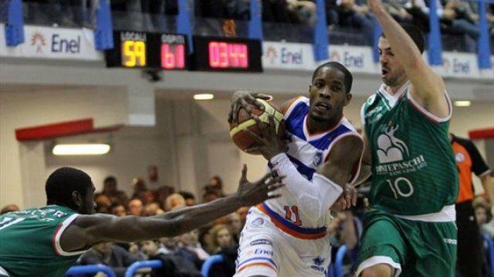 Serie A di basket: Brindisi batte Siena e l'aggancia in classifica
