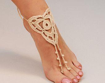Haak Beige Barefoot Sandals, voet sieraden, bruidsmeisje geschenk, blootsvoets sandles, strand, Anklet, bruiloft schoenen, strand bruiloft, zomer schoenen