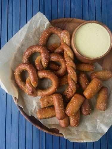yeast free paleo pretzels |