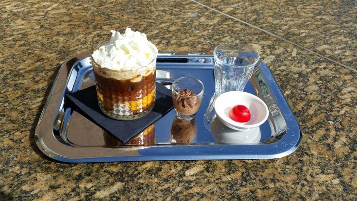De #lente is nu echt begonnen! Vanaf vandaag serveren wij onze overheerlijke ijscappuccino.