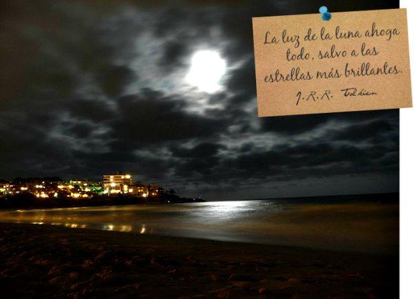 Lo que puedes hacer para potenciar la energía de una luna llena...Hoy 16 de Marzo tenemos luna llena! Lee el post en mi blog: http://lasabida.wordpress.com/2014/03/16/bajo-la-luna-llena/