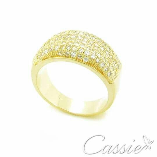"""✨ Anel Lume Zirconias folheado a ouro com zircônias e garantia. ✨ Temos o Medidor de Anel em nossa loja www.cassie.com.br Baixe o arquivo PDF e siga as instruções.   ☆ ¸.•°*""""˜˜""""*°•.¸☆ ¸.•°*""""˜˜""""*°•.¸☆ ¸.•°*""""˜˜""""*°•.¸ #Cassie #semijoias #acessórios #moda #fashion #estilo #inspiração #tendências #trend #love #instasemijoias #instajoias #lookdodia #folheado #dourado #folheadoaouro #lindassemijoias #zircônias #Anel #anéis"""