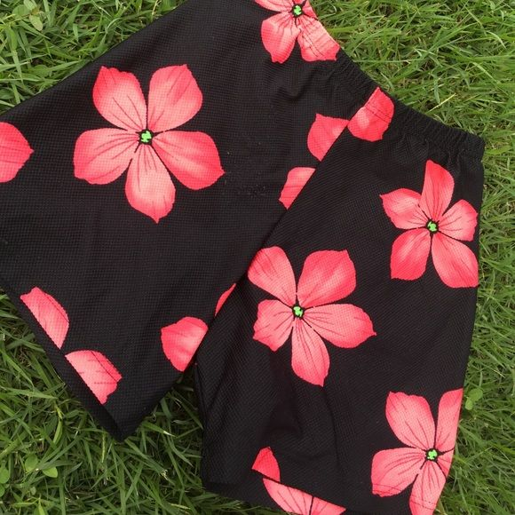 💥Flower Power Black Volleyball Shorts Volleyball licra shorts. Perfect for volleyball, crossfit, tennis every sport. Check pics for details. Volley Pants Leggings