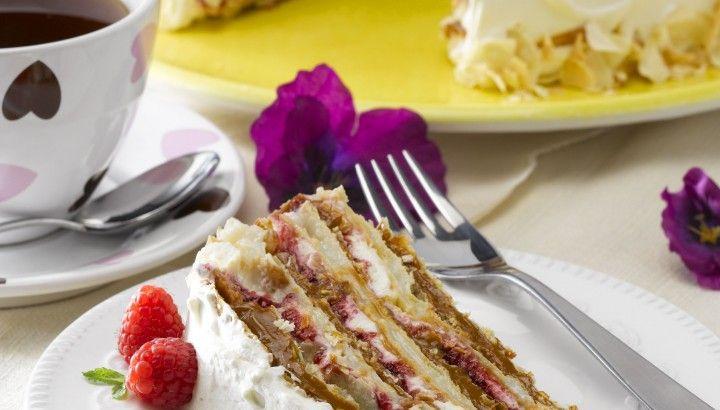 Torta Amor (mil hojas con frambuesa)