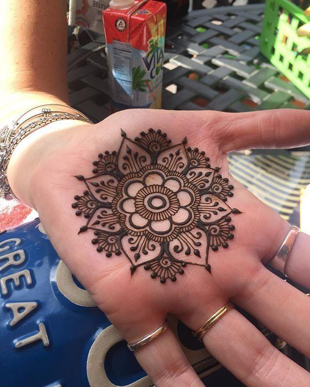 HENNA #tattoo #tattoos #tats #design #blackink #redink #whiteink #henna #cute #pretty #sleeve #palm