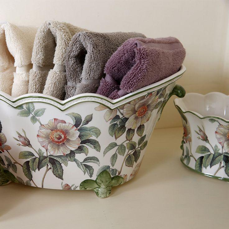 #Cachepot ovale cappe fiori caicos ceramica by San Marco #Bathroom details #handtowel #bathtowel