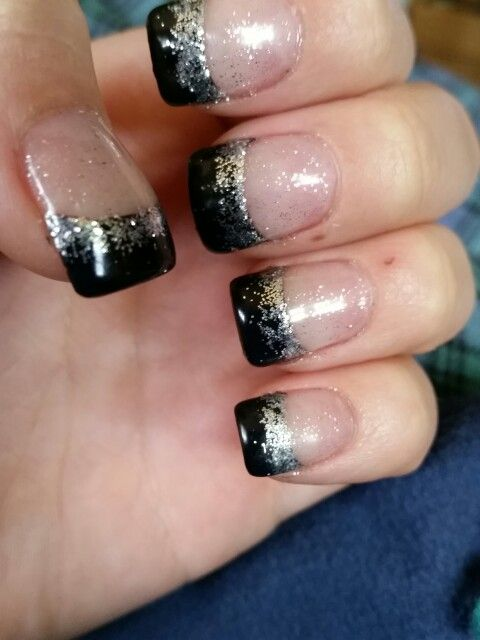 Black french tip with silver sparkly - 37.1KB