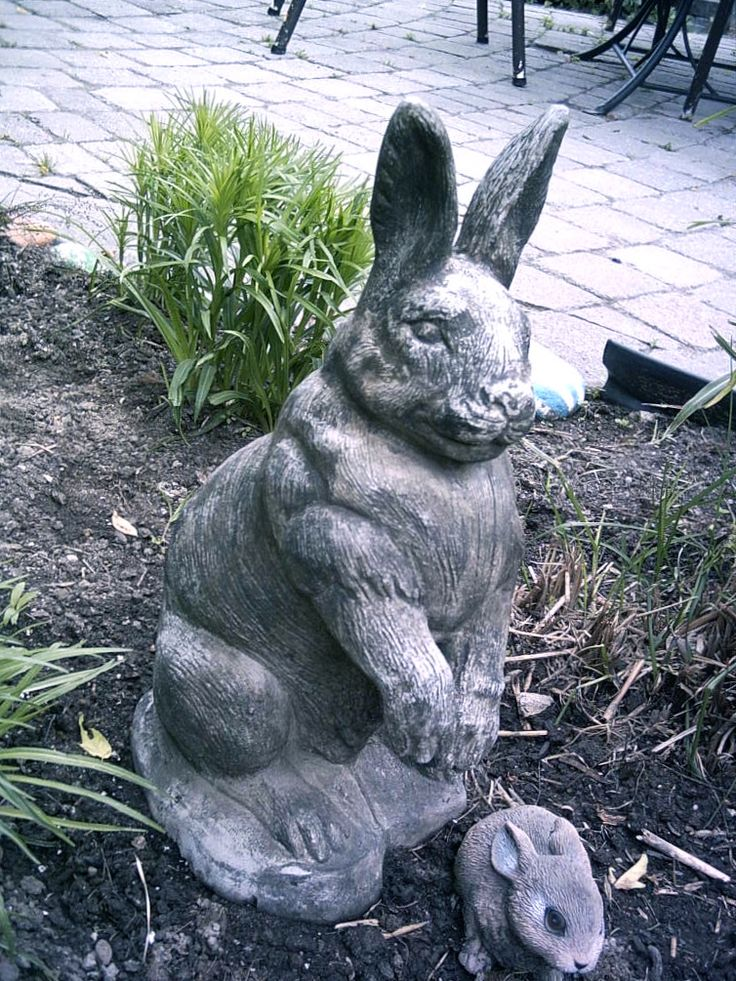 This is Ilean the Hare. This amazing garage sale find has been with me for quite some years. Worth the 25cents I paid for it. The name ILEAN is because, she/he leans to one side........P