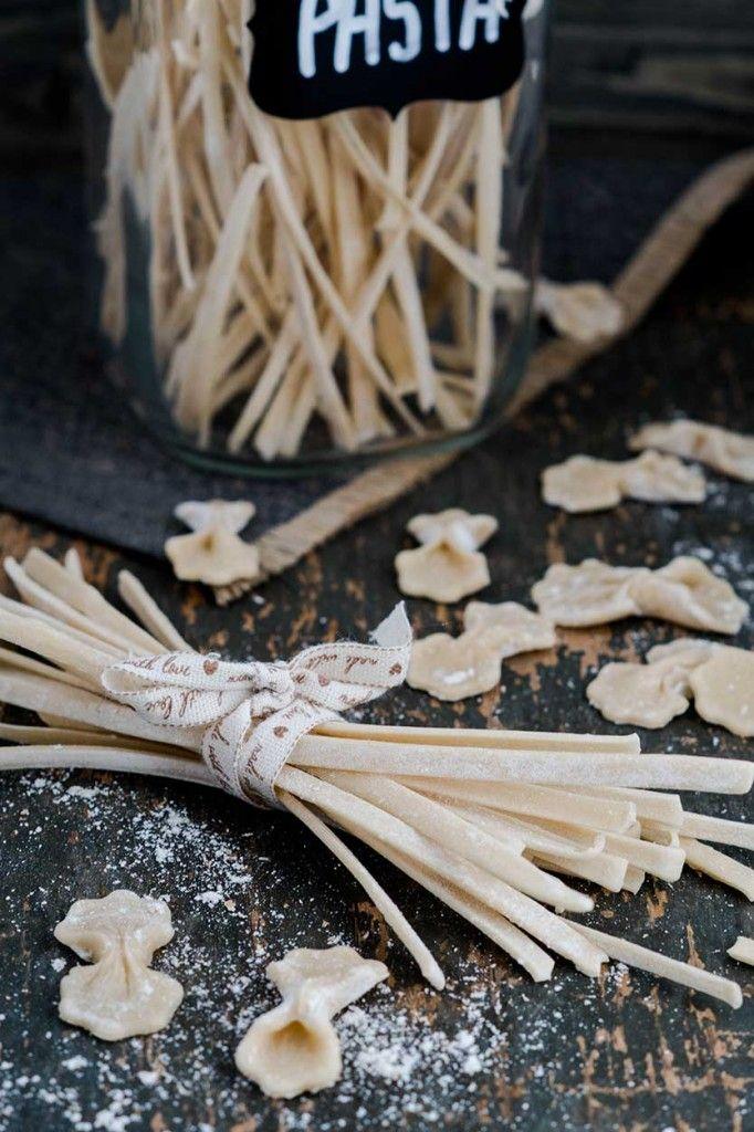 Dinkelnudeln ohne Ei - Rezept für Nudeln zum selber machen