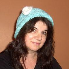 Bonnet doux, vert pâle, tricoté main, pour femme