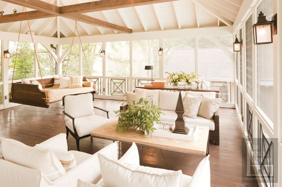 porch-screened-exposed-ceiling-chippendale-decor-fen-10-wm-2