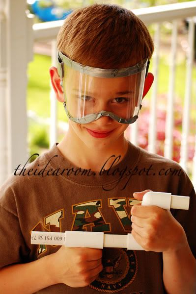 Marshmallow shooter guns made out of pvc pipe – what kid wouldn't love this?!