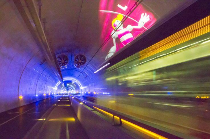 Le tunnel mode doux de la Croix-Rousse à Lyon est réservé aux piétons, cyclistes et bus. Un ouvrage en béton pas comme les autres.