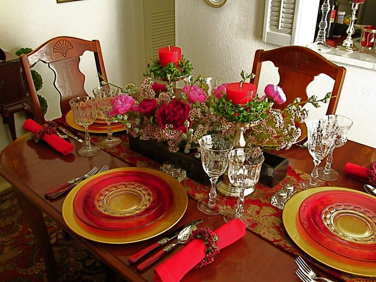 table settings for dinner | Ikebana in Desert: Christmas dinner table setting