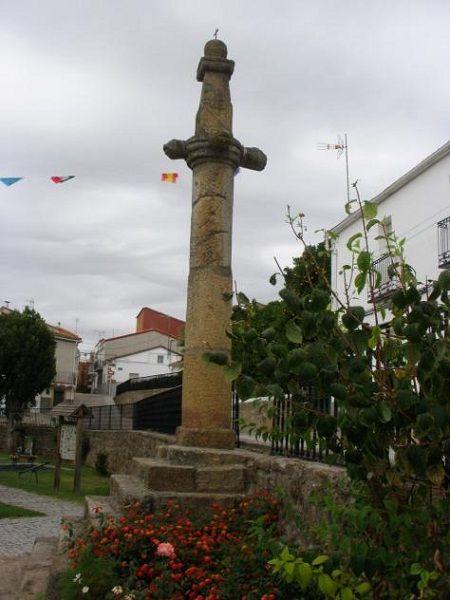 La Picota de Viandar, uno de los signos más distintivos de Viandar de la Vera.