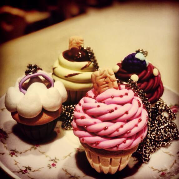 Cupcake Necklace.