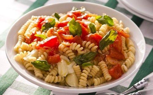 Salada de grão-de-bico com macarrão ao molho de laranja e mostarda | Saladas > Salada de Macarrão | Receitas Gshow