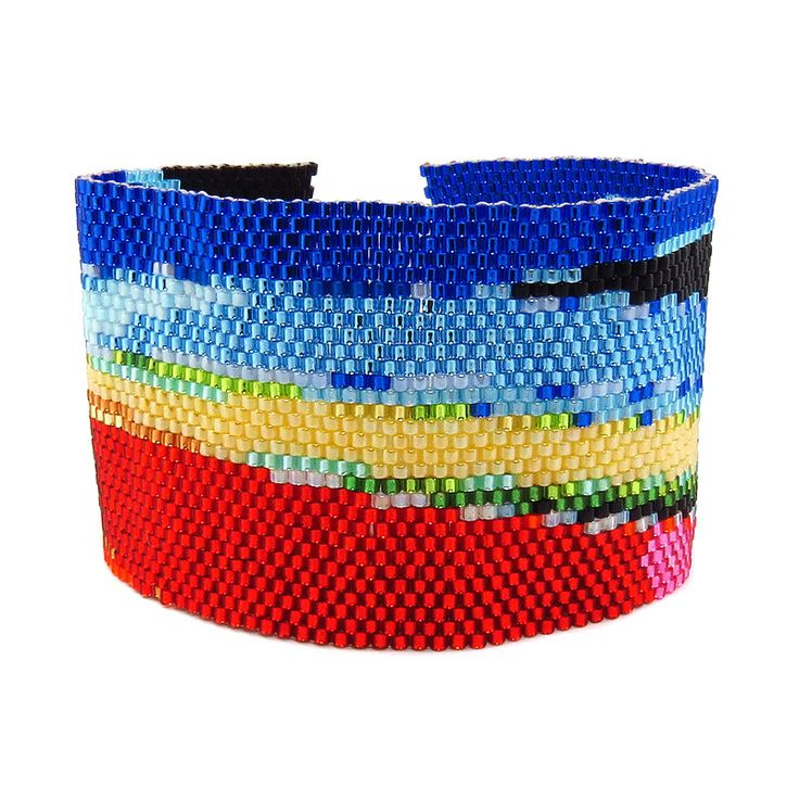 Neues Armband aus der Kollektion Anleitungen Peyote ist fertig. Fertiges Produkt könnt Ihr hier erwerben http://bit.ly/1T6uf0p oder die Anleitung dazu hier http://bit.ly/1XWMSbl kostenlos holen.