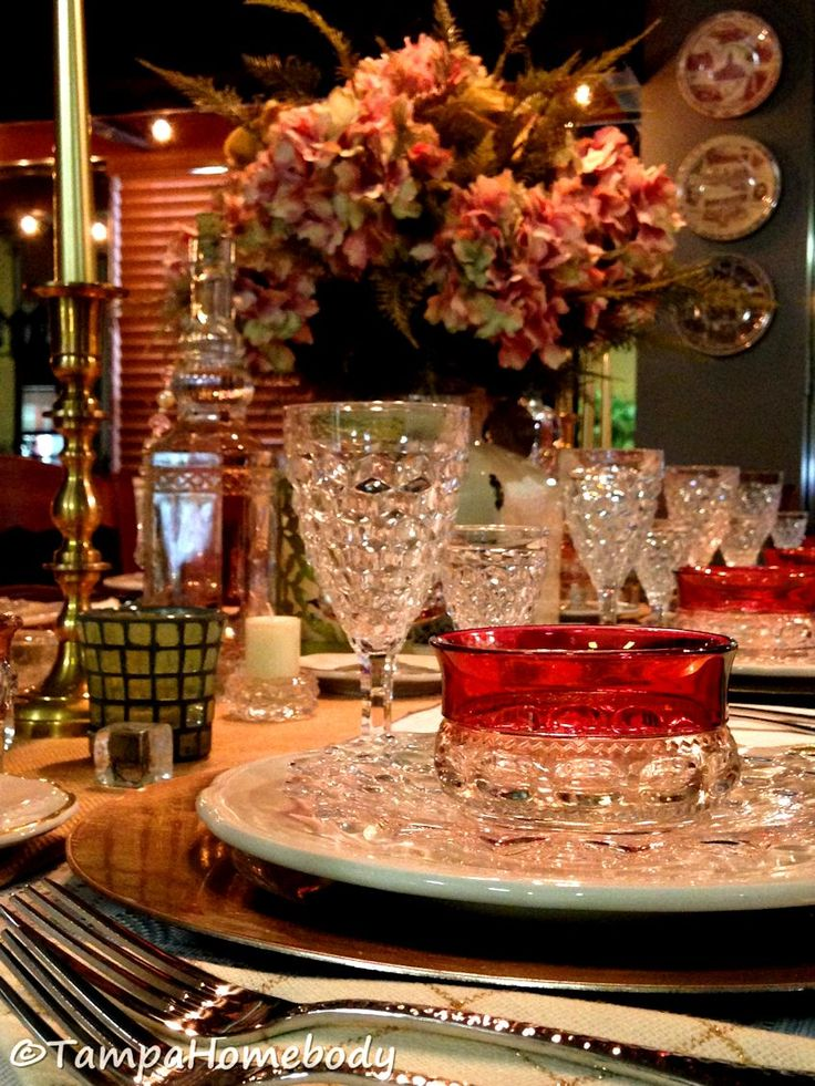 Tablescapes | Stunning table setting using the Fostoria American and Kings Crown glass patterns.