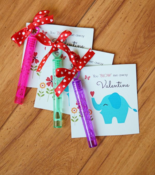 """You """"blow"""" me away bubbles Valentines for kids, FREE printable!"""