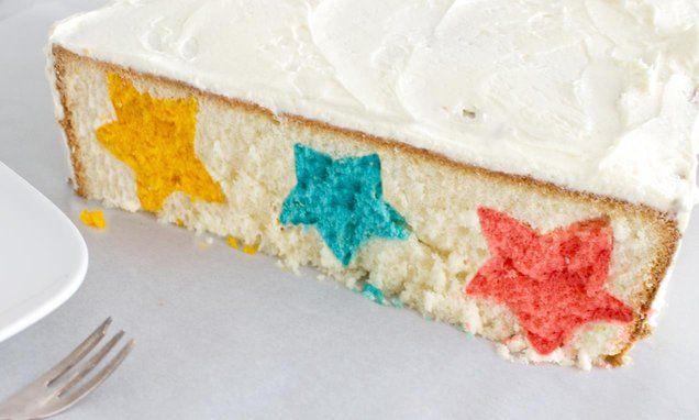 Sterrentaart                              -                                  Van buiten ziet hij er eenvoudig uit, wacht maar tot je deze taart doorsnijdt. Een schitterende sterrentaart.