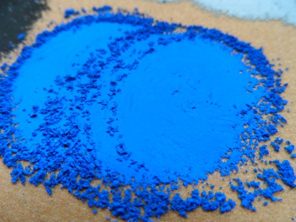 Iedere lading Unison pastels worden getest op robuustheid, textuur en kleurkracht.
