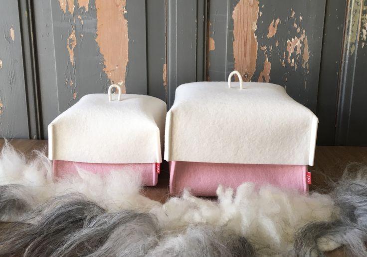 Mand RÔZE KUORKE: #mand met deksel; 100% #wolvilt en #handgemaakt. #roze #babyroze #meisje #woolfelt #vilt Tips: geef dit als #kraamcadeau gevuld met luiers of een knuffel!