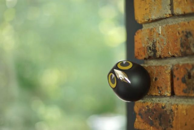 Ulo is a precious little gadget that monitors your house, takes pictures, and keeps you safe—all with the charm of a cartoon owl.
