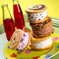 Breyers Ice Cream Sandwiches looks so good!!!!