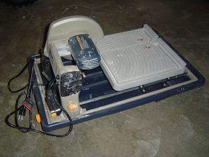 CHOOSING A TILE SAW - http://www.homeadditionplus.com/dev/tiling-floors-walls/choosing-tile-saws/