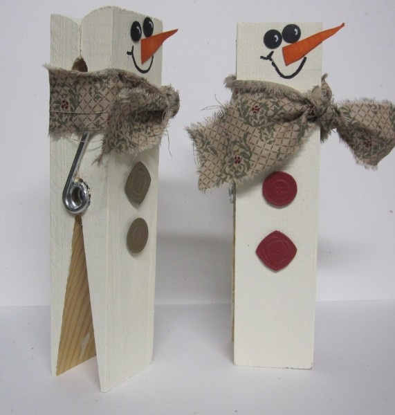 Large Clothes Pin Snowmen We have clothespins at Daisy Lane.