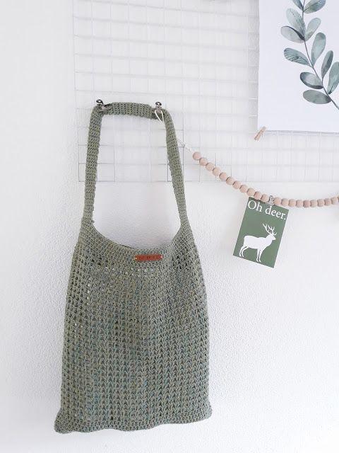 Kijk wat ik gevonden heb op Freubelweb.nl: een gratis haakpatroon van CutiePie Designs om deze mooie shopper te maken https://www.freubelweb.nl/freubel-zelf/gratis-haakpatroon-tas-13/