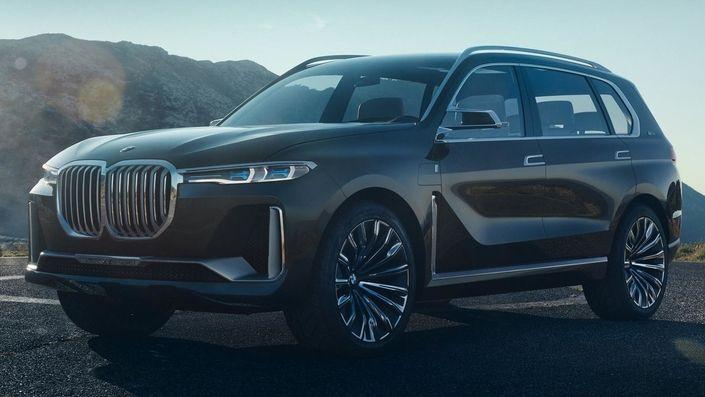 Salon de Francfort : le X7 en avance : Bmw X7 G07 au Salon de Francfort 2017 Salon de Francfort : le X7 en avance Envoyer à un(e) ami(e) Vous pensiez que les constructeurs allemands avaient fait le tour du SUV avec des gammes parfois interminables ? Détrompez-vous. BMW nous prouve avec le X7 qu'il reste encore un peu de place à l'extrémité de l'échelle. Le X7 concept sera dévoilé au salon de Francfort et il est en fuite sur la Toile. Finalement il sera bien présent à Francfort. Le tout…