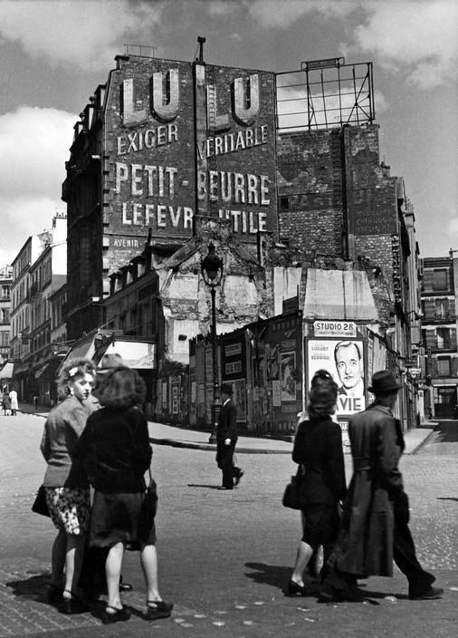 Rue Lepic Paris - 1936 © Herbert List                                                                                                                                                                                 Plus