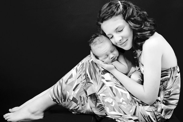 https://flic.kr/p/TaPLNm | Lismore Baby photography12 | Big Sister with her little newborn brother Chris McQueen International Award Winning Photographer Specialising in:Newborn | Maternity | | Family| Cake Smashes| Portraits Email: chris@chrismcqueenimages.com  www.chrismcqueenimages.com