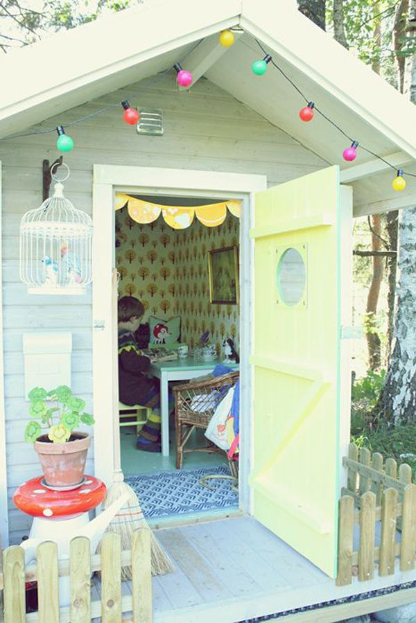 20 Cheerful Outdoor Youngsters Playhouses | Decorazilla Design Blog Part 56