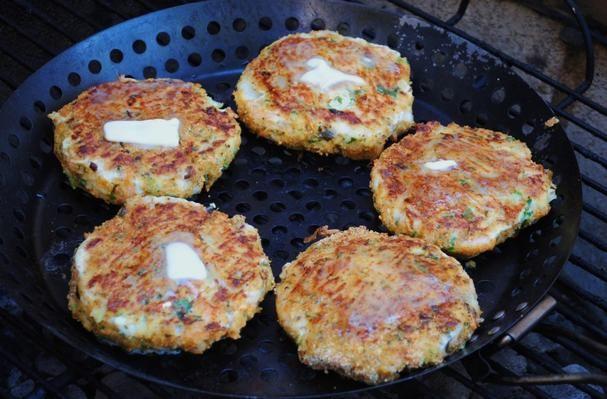 Crab and Shrimp Burgers with Garlic Grits FriesShrimp Burgers, Dishes, Grits Fries, Shrimp And Crabs Recipe, Garlic Grits, Crabs Burgers, Crabs Cake, Seafood Fish, Fish Recipe
