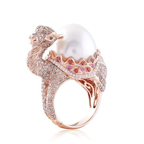 http://sold2gold.nl/rose-goud/ Camel ring with an Australian Pearl cognac diamonds and Sapphires rose gold @constellaofficial.
