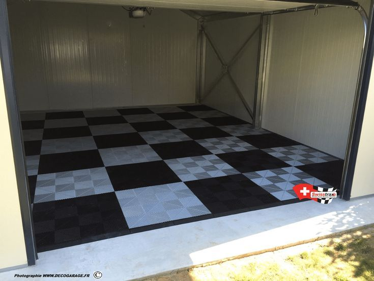Un Revetement De Sol Pour Garage Rapidement Installe Aucun Travaux Important Aucun G In 2020 Home Decor Contemporary Rug Decor