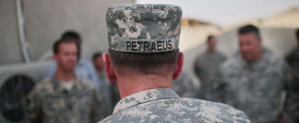 L'incredibile caso Petraeus, dall'inizio