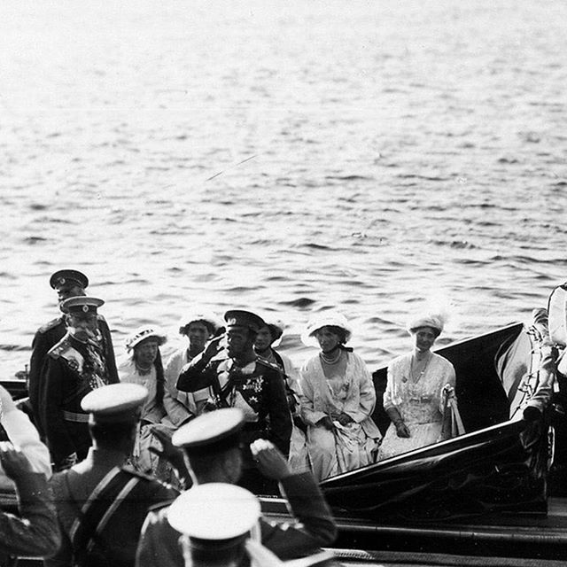 """August 2, 1914: Russia declares the war on Germany. The Imperial Family comes out from the Winter Palace on the waterfront in the direction of the yacht """"Standart"""", after reading the manifesto by lovelyotma from Instagram"""