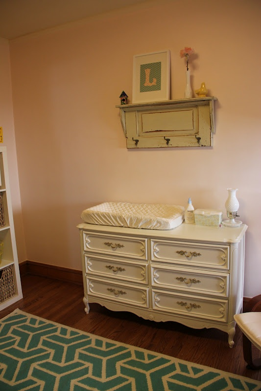 cute baby nursery, could also be a little girlies room...