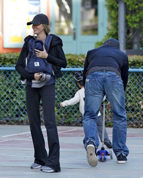 Gisele Bundchen Photos - Tom Brady and wife Gisele Bundchen spend time with their 5-month old son Benjamin and Tom's older son John Edward Moynahan at a playground in Santa Monica. The couple recently spent an estimated $20 million to build an eight-bedroom, 22,000 square-foot mansion in Brentwood, complete with a weight room, a wine room, a six-car garage and a lagoon-shaped swimming pool and spa. - Tom Brady and Gisele Bundchen at a Palyground