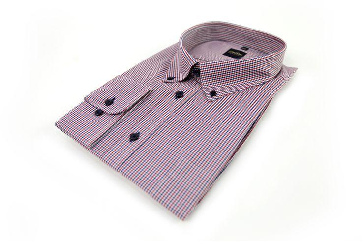 Koszula Omega w drobną kratkę w kolorach: biały, granatowy i czerwony. Koszula typowo casualowa, idealna do jeansów lub spodni w jednolitym kolorze. Skład: 100% bawełna.