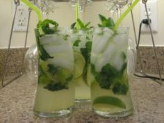 Perfect mojito recipe from a girl that loves the Cheesecake Factory ones!