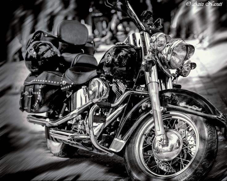 Aziz Nasuti Blog: The beautiful Harley Davidson