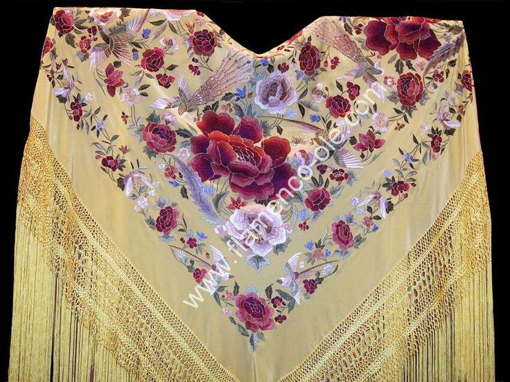 Manton dorado con flores rojas y rosa | Moda flamenca ...
