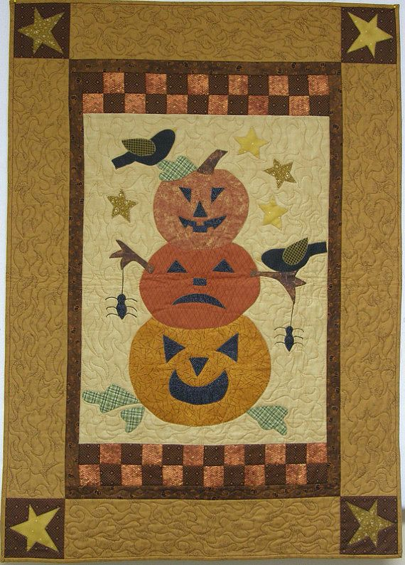 Quilted Wall Hanging Stacked Pumpkins by HollysHutch on Etsy, $75.00