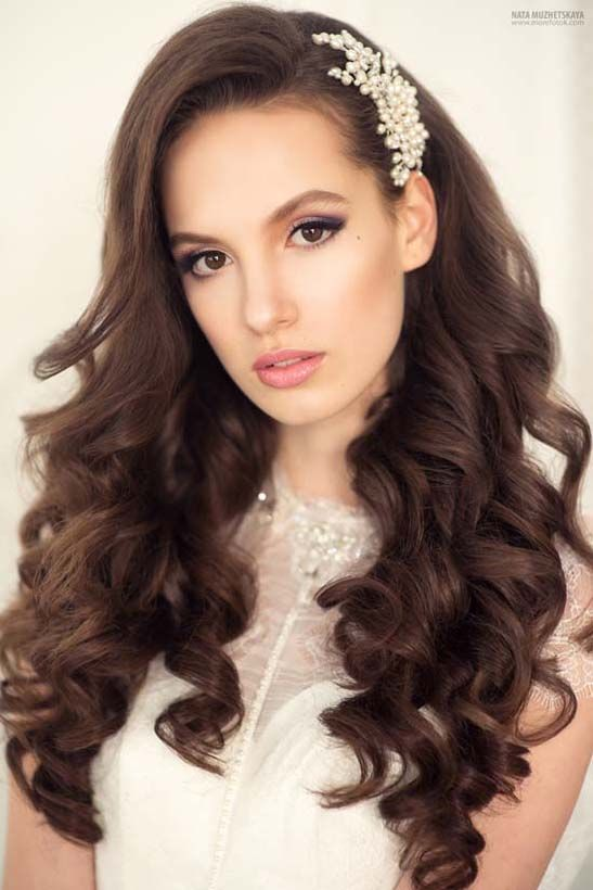long wavy wedding hairstyles via yuliya vysotskaya - Deer Pearl Flowers / http://www.deerpearlflowers.com/wedding-hairstyle-inspiration/long-wavy-wedding-hairstyles-via-yuliya-vysotskaya/